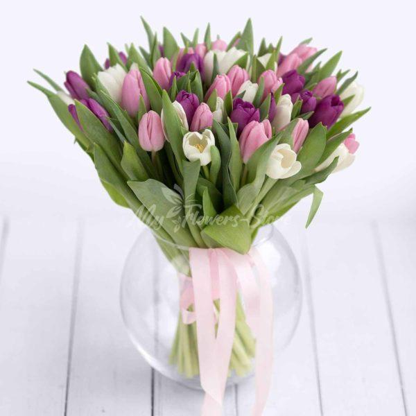 51 фиолетовый и белый и розовый тюльпан