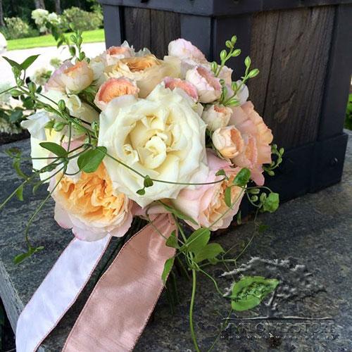 Свадебный букет невесты Лиана из роз