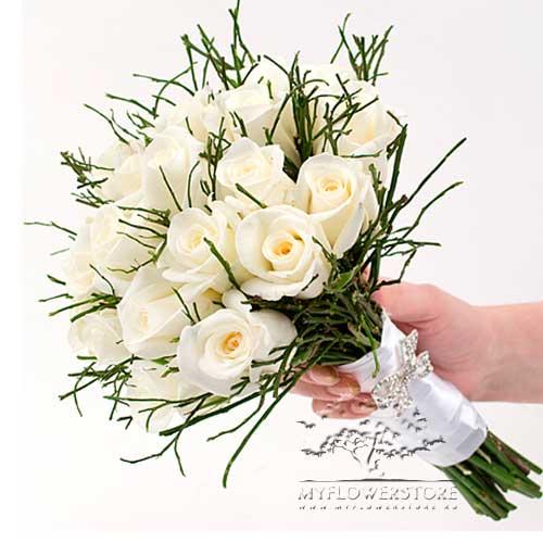 Свадебный букет невесты Лунная соната из белых роз