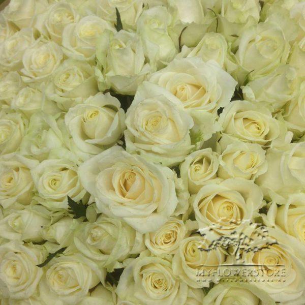 Букет из роз и тюльпанов Тиват