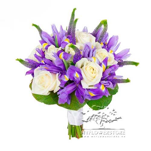 Букет из синих ирисов и белых роз Назарет