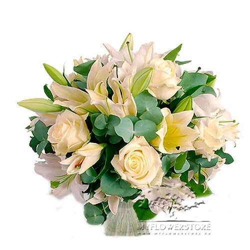 Букет из белых роз, лилий и эвкалипта Ресифи