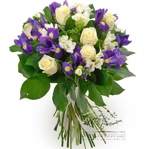 Букет из белых роз, синих ирисов и фрезии Сфакс