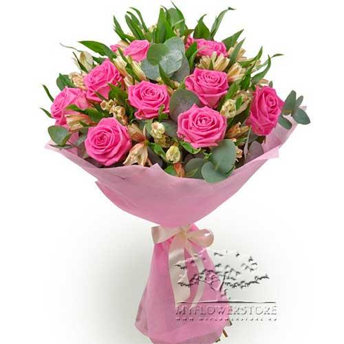 Букет из розовых роз и альстромерий Лахти