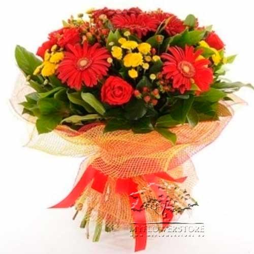 Букет из роз, гербер и хризантем Сколье