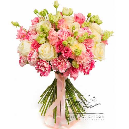 Букет из белых роз, гвоздик и эустомы Сухум