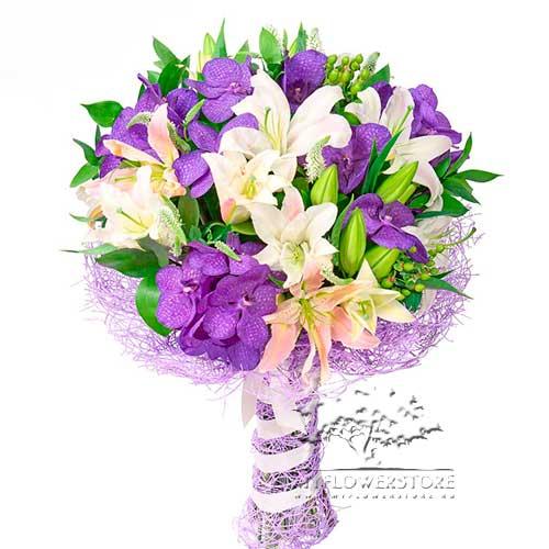 Букет из орхидеи ванды и лилий Ольборг