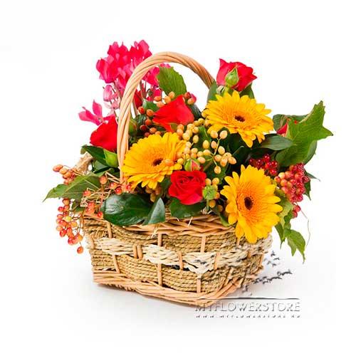 Цветочная композиция из роз, гербер и цикламен Эль Гуна
