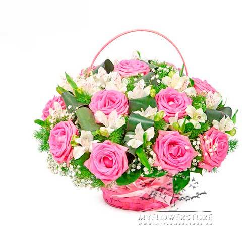 Цветочная композиция из розовых роз и альстромерий Екатеринбург