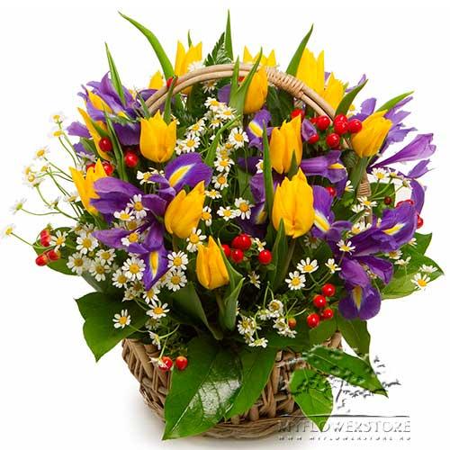 Цветочная композиция из желтых тюльпанов и ирисов Киев