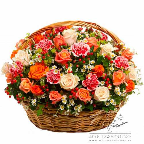 Цветочная композиция из роз, гвоздик и ромашек Белфаст