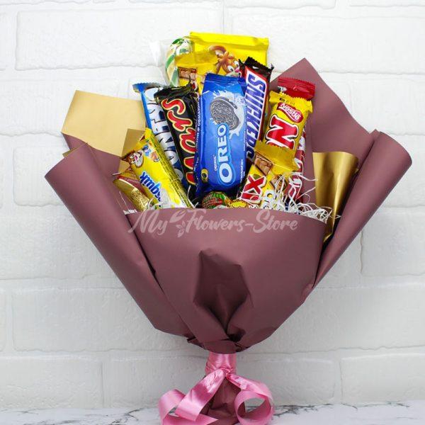 Букет из сладости отличный подарок