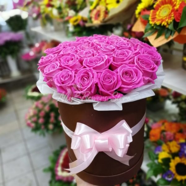 Букет из 25 розовых роз в коробке