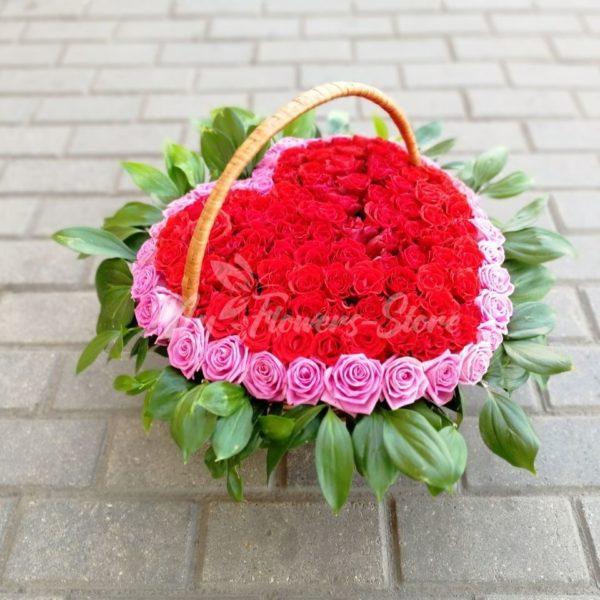 101 роза в корзине в виде сердца 4