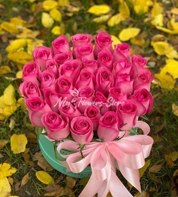 35 эквадорская роза в коробке