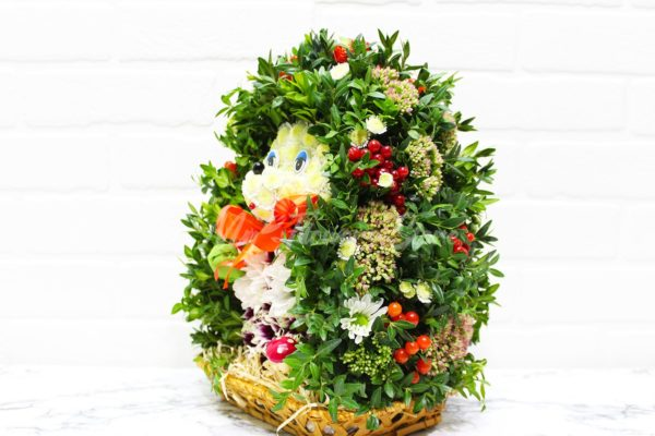 Ёжик из живых цветов
