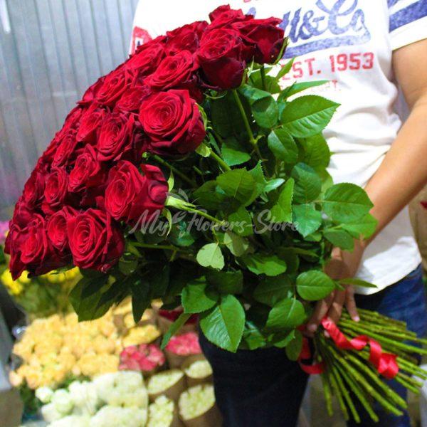 Букет из 51 розы 70см