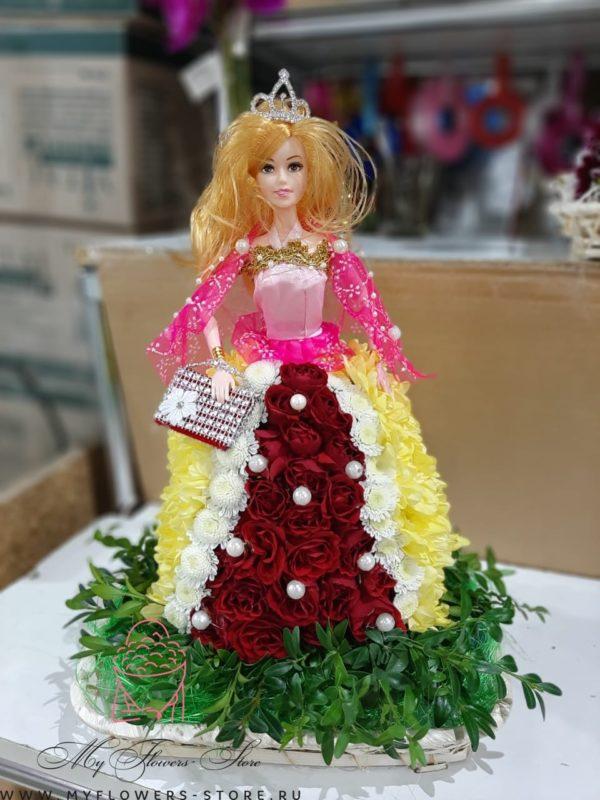 Кукла барби из живых цветов